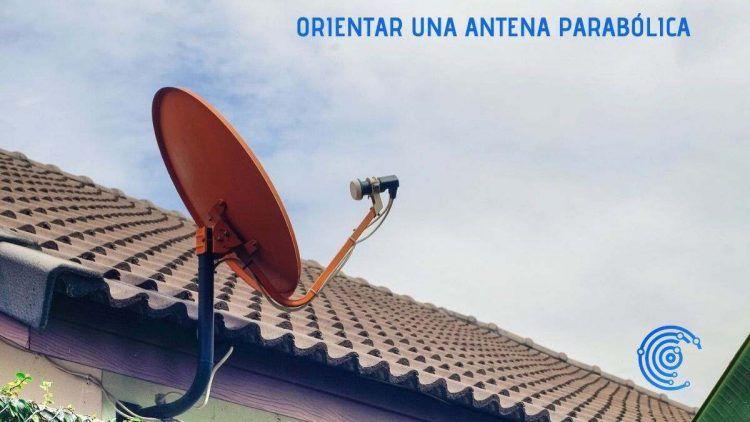Antena parabólica colocada en un tejado