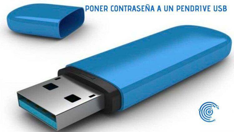 Pndrive USB azul con el capuchón quitado