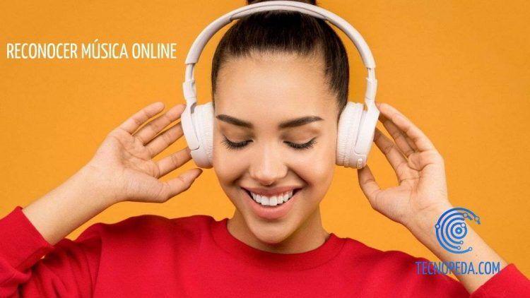 Mujer oyendo música con unos auriculares